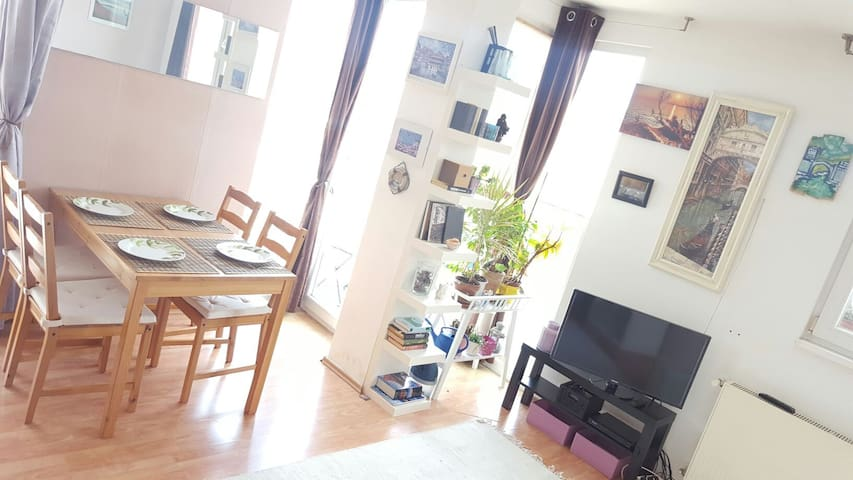 Cool apartment in the City Center - Budapest - Rumah