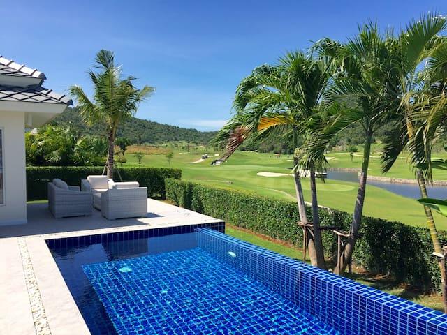 Black Mountain West Course Villa