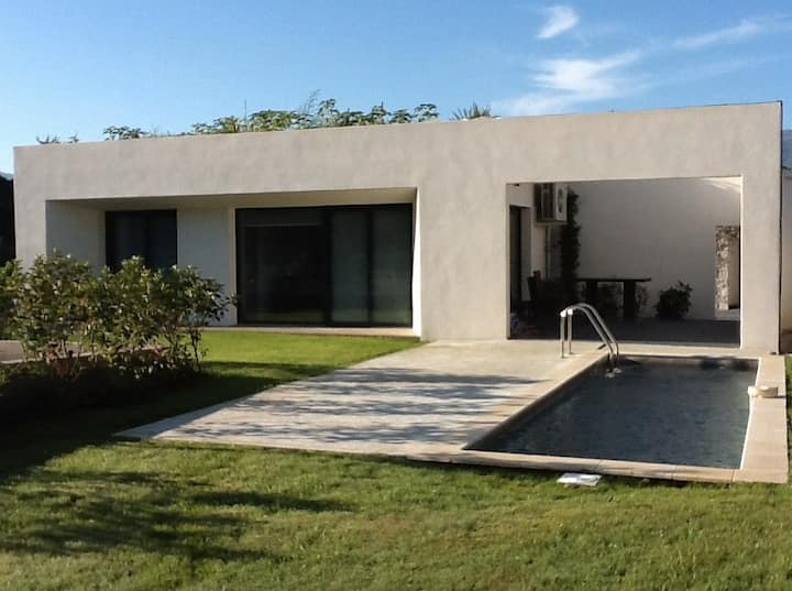 Modern 1-bedroom villa with private pool
