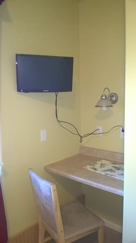 TV and Wi-Fi in room
