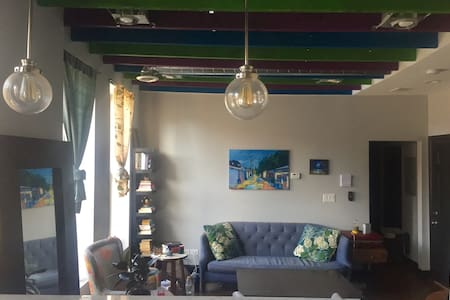 Pilsen Apartment - Just Across from Thalia Hall! - Chicago - Lakás