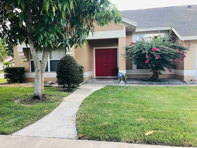 Beautiful one bedroom in central Orlando