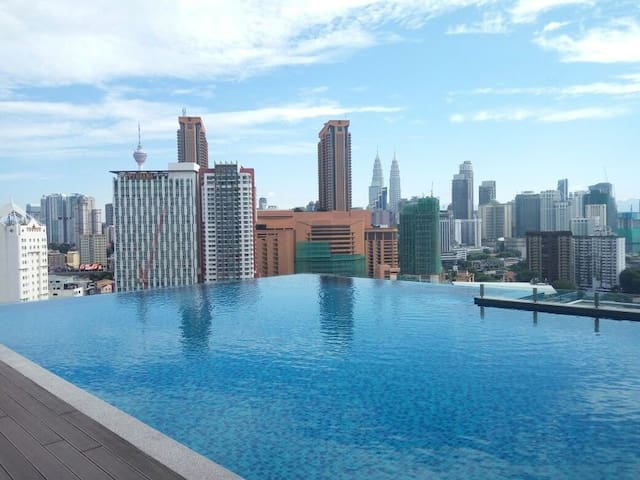 Comfort Suite with Rooftop Pool @ Pudu,4 mins LRT