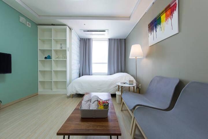 Ivory#서면의중심#Seomyeon Stn 1min#Awesome,cozy place