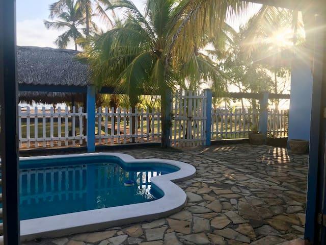 La Casa AZUL Poneloya