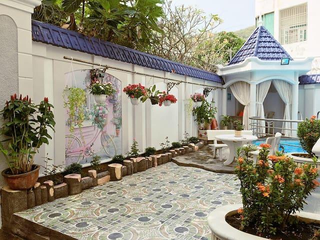 `Ali6b Vung Tau villa with pool near beach