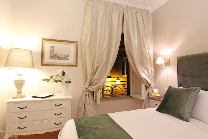 Vite Apartment - 5 minutes from Piazza di Spagna