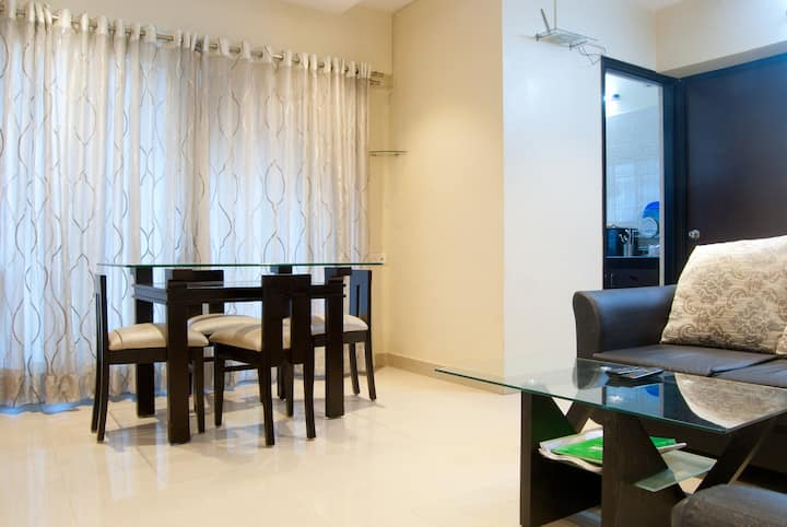 2 BHK Cozy Apartment - Bandra East