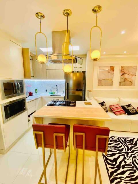 Apartamento ZS recém decorado local seguro e limpo