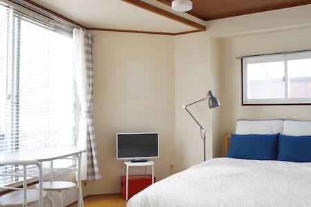 下北沢駅から2分! 一時帰国のホテル滞在代わりにでも、テレワーク用にでもご自由に。長期割あります