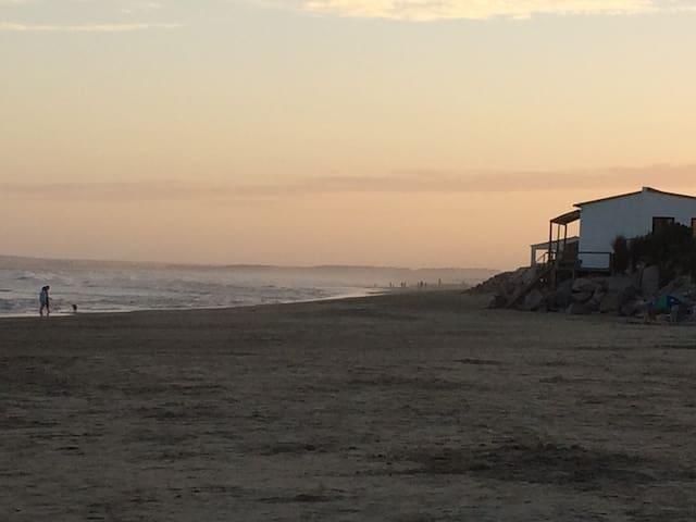 Casa en excelente ubicación a 1 cuadra del Océano