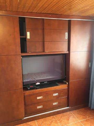 Habitación privada VIP Wifi-Tv-comoda