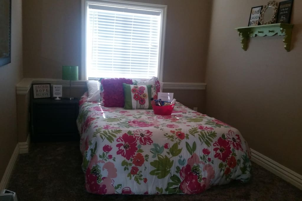 Bedroom 1- Queen bed. Room can also fit air mattress