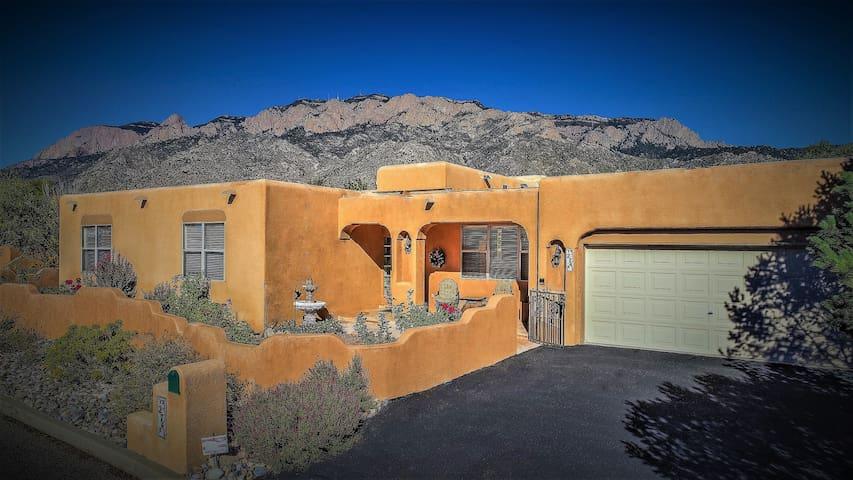 """Desert Rose"" a Santa Fe style Vacation Home"