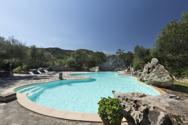 Villa Nuraghe with pool use