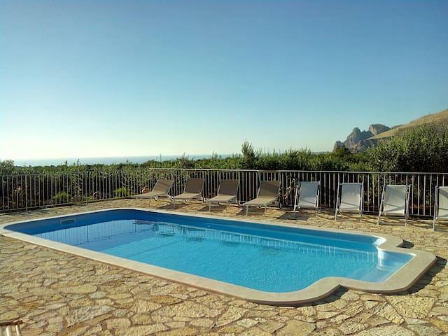 Baglio Poma, Castelluzzo, 6 posti con piscina - Castelluzzo - Lejlighed