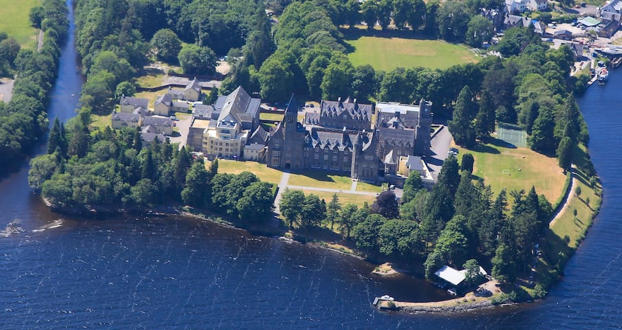 Historic Highland Home on Loch Ness