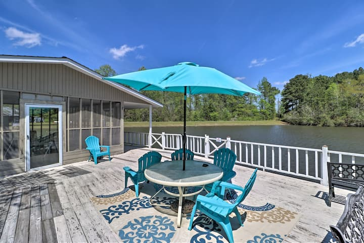 NEW! Blossom Lake Country Retreat on 42 Acres!