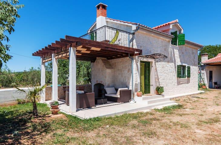 Traditional Dalmatian Holiday house Rita