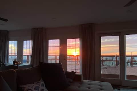 Beachfront Sunsets At Oakwood Beach