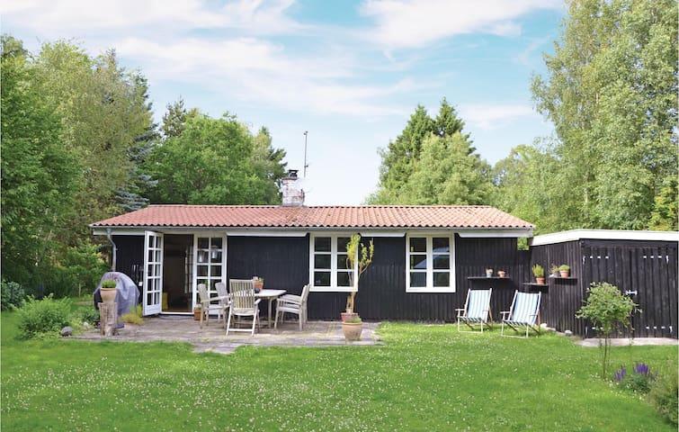 Holiday cottage with 2 bedrooms on 80m² in Frederiksværk