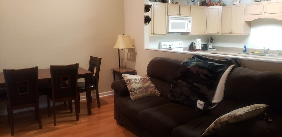 Townhouse only 10 minutes from Downtown Knoxville