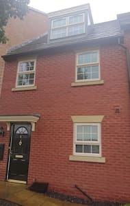 MODERN WELL EQUIPPED 3 BEDROOMED 3 STOREY HOUSE
