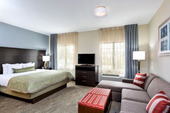Short Drive to Texas A&M | Outdoor Pool + Business Center + Fitness Center