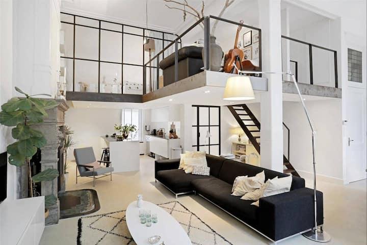 Amazing deluxe loft apt | 4p | City Centre | 110m2