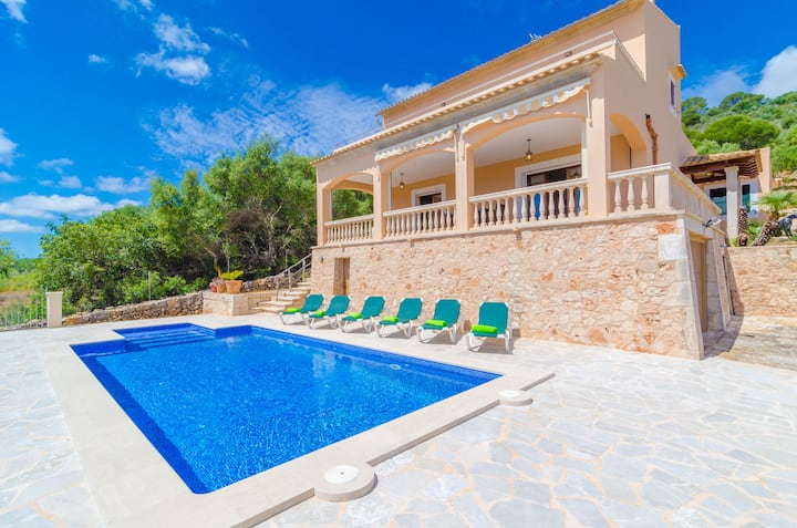 S'ERA - Villa with sea views in Felanitx - S'Horta. Free WiFi