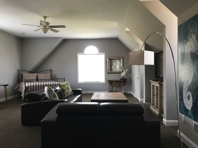 Renovated apt 1mile to Middleburg
