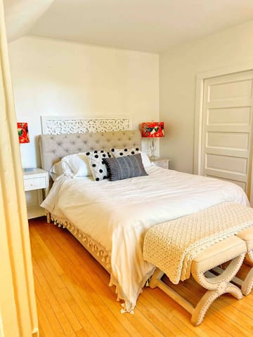 Your one bedroom with closet and dresser...the bed had the highest reviews on Wayfair and is so comfortable. The Italian sheets are a luxurious 1500 thread count.