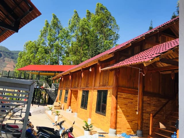 Deluxe room with a nice view -Plum Homestay