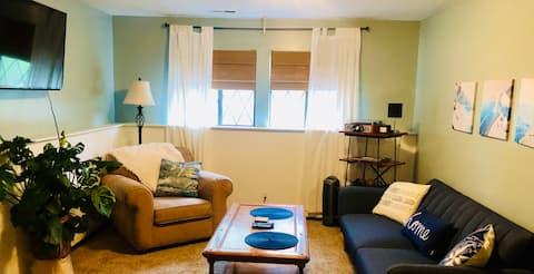 Quiet Safe SW Topeka Garden Apartment