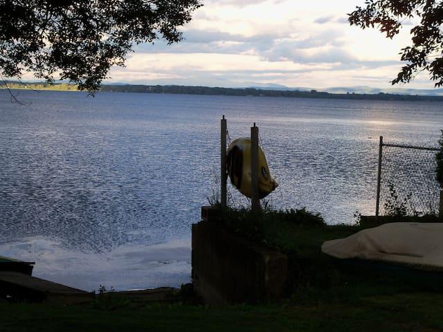 Lake Champlain Lake Front Cottage Getaway