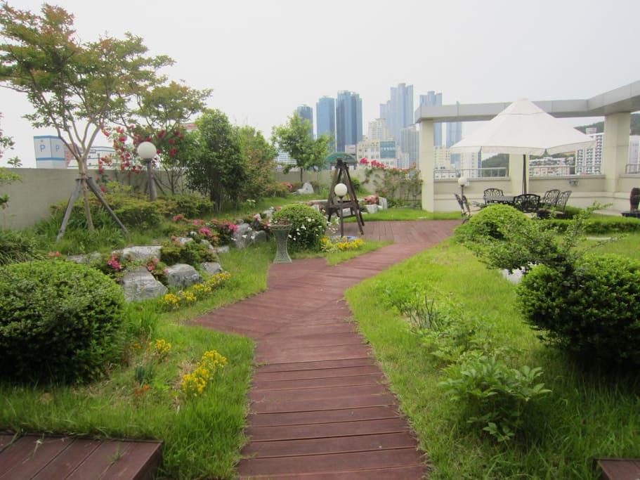 7층 야외 정원1 7th floor Garden