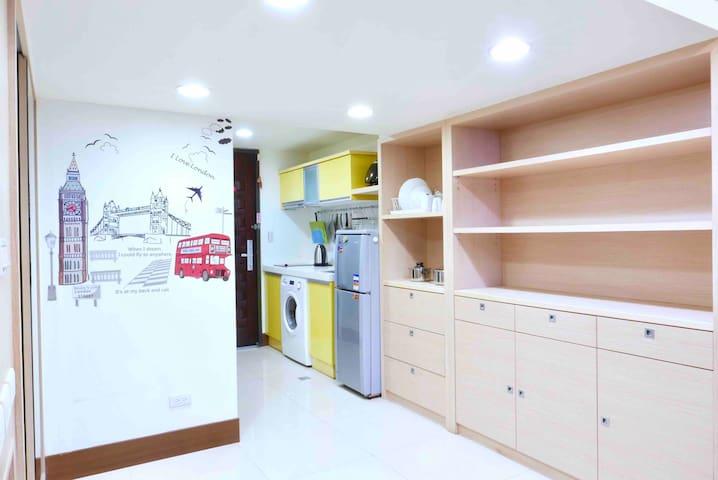 New典雅型高樓層-西門町三站抵達 Best Location 2minsMRT,開放式廚房洗乾衣機