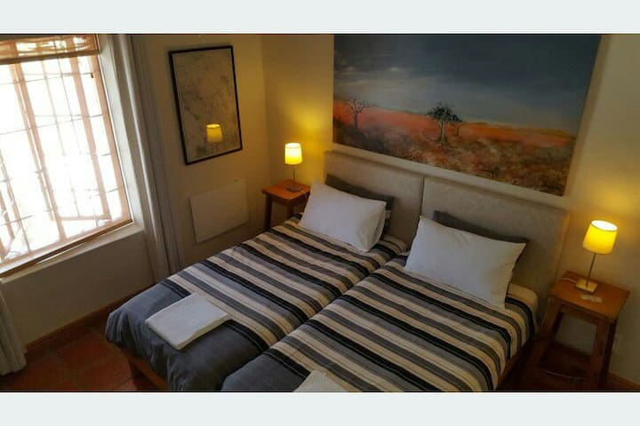 Private Guest Suite with own entrance. - Riebeeck Kasteel - House