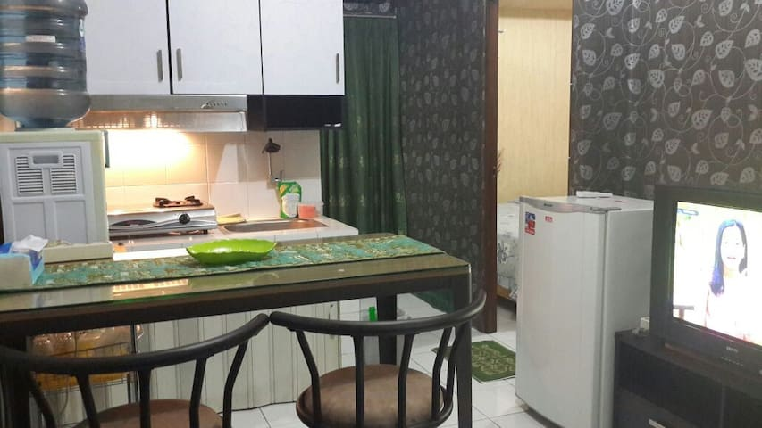 2BR Cozy Apartment with Pool, in Bandung - Bandung - Apartment