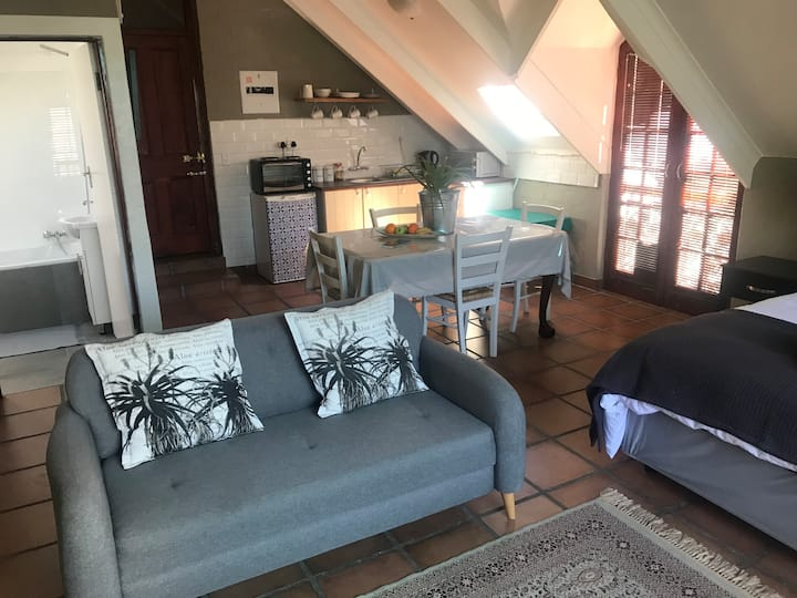 Farmstyle Apartment with aircon and wifi