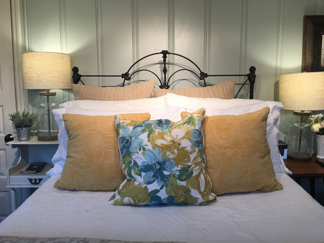 Our lovely suite all ready for Spring.  We  look forward to hosting you at our farm!