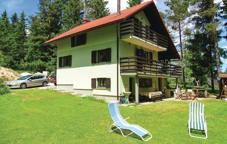 Holiday cottage with 3 bedrooms on 116m² in Nova Vas