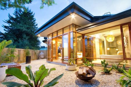 Bali Villa- A touch of pure luxury in the Hills