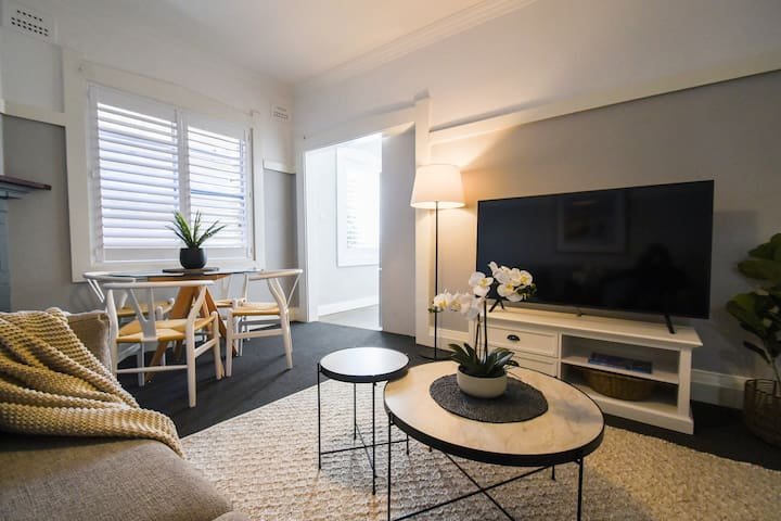 Boutique Apartment in the Heart of Manly Beach