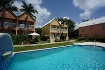 Ajoupa Villas 3 min walk to beach