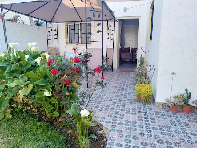 Charming small villa with garden near to the beach