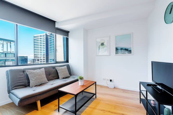 Graceland in Melbourne 1BR with stunning City view