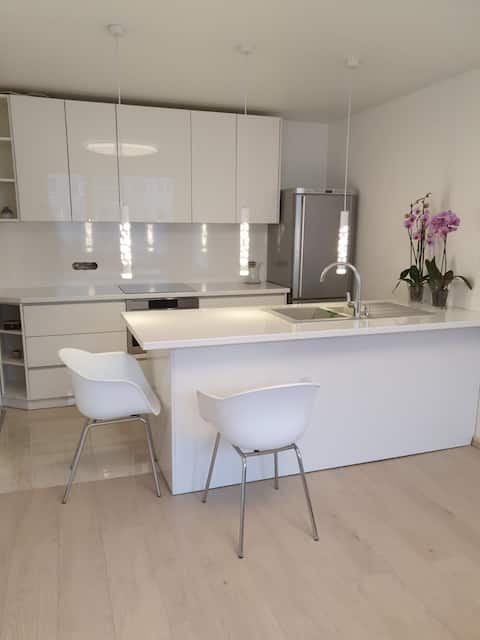 New modern flat in central location