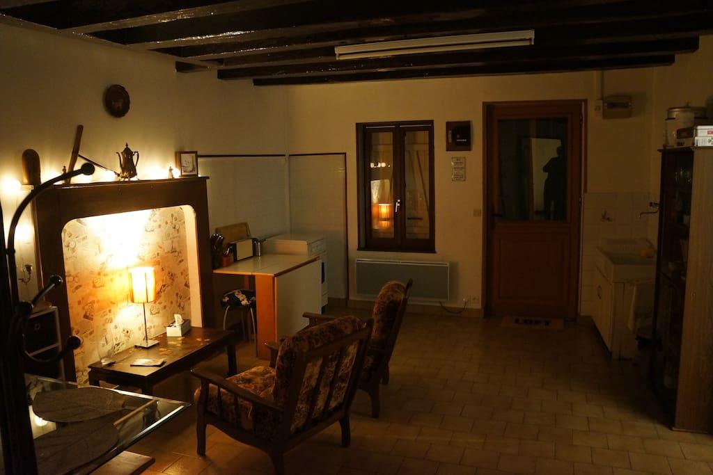 Ambiance nocturne dans le salon