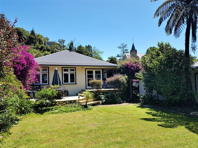 Room Charming Villa, Nelson Central